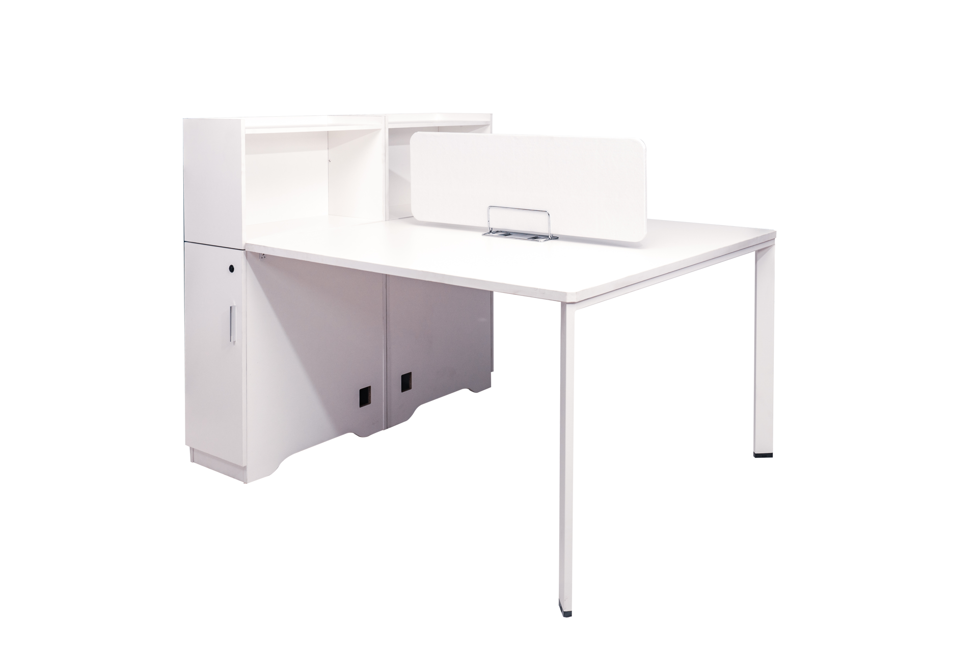 Torch 1500x1200 Desk w/Cupboard & Screen - White